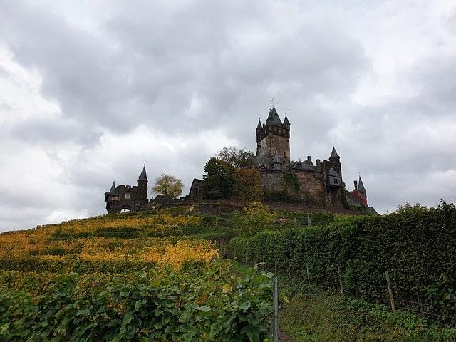 imperial-castle-4564326_640-min